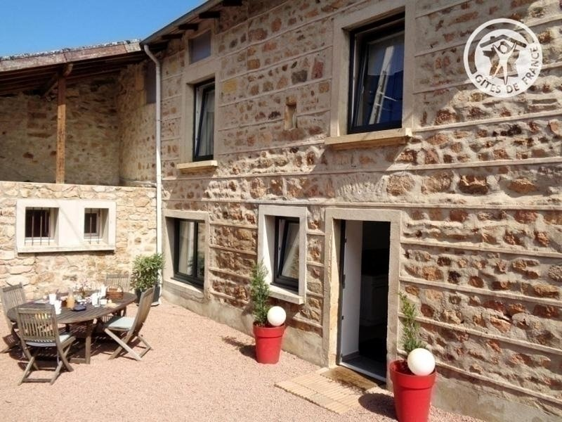 Chez Chloé, holiday rental in Bourg-de-Thizy