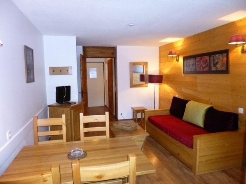 STUDIO AMENAGE ET EXPOSE OUEST, holiday rental in Salins-Fontaine