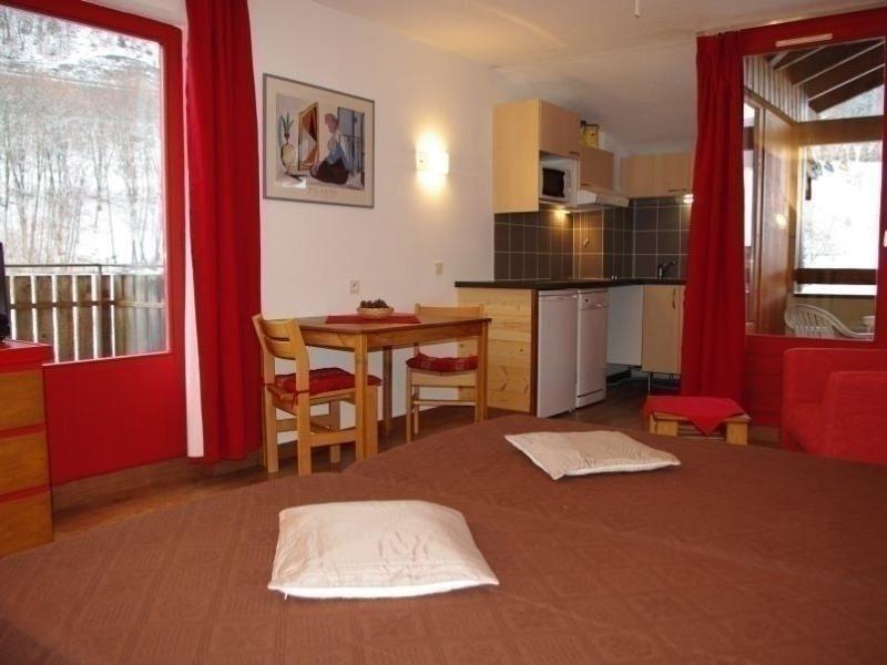 APPARTEMENT AVEC DOUBLE EXPOSITION, alquiler de vacaciones en Brides-les-Bains