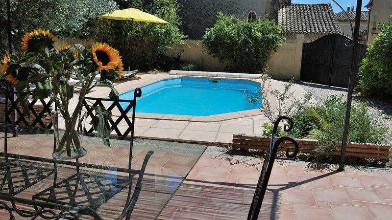 Maison piscine privée, Ferienwohnung in Nyons