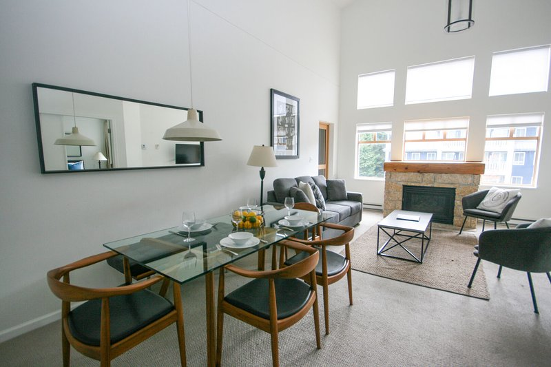 WELCOME to Tyndall Stone Lodge - overlooking Whistler Olympic plaza in the village, this bright condo will have all that you need for an amazing snow vacation in Whistler.