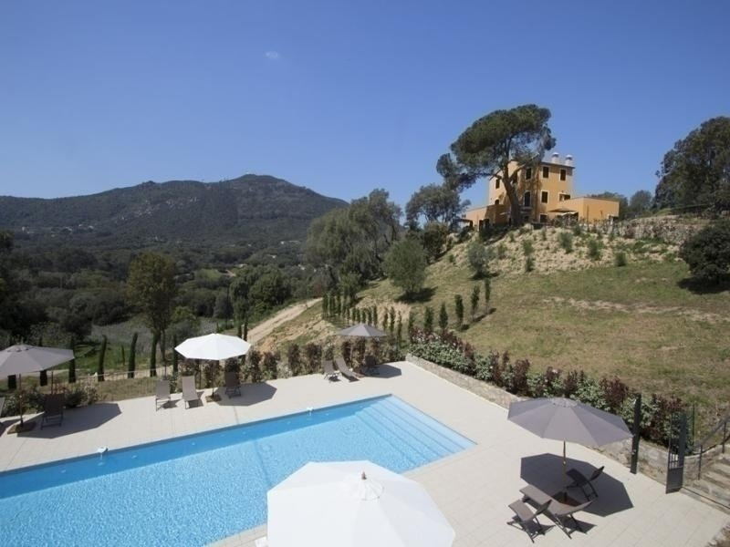 Hauteurs d'Ajaccio- Résidence avec piscine LA TOUR  2, casa vacanza a Afa