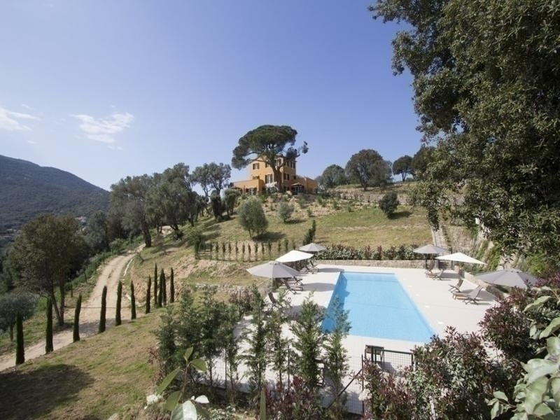 Hauteurs d'Ajaccio- Résidence avec piscine LA TOUR  3, casa vacanza a Afa