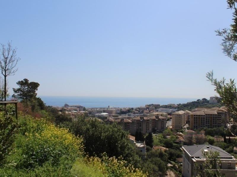 BASTIA- Bel appartement vue mer, sur les hauteurs de la ville à 5 minutes du, vacation rental in Miomo