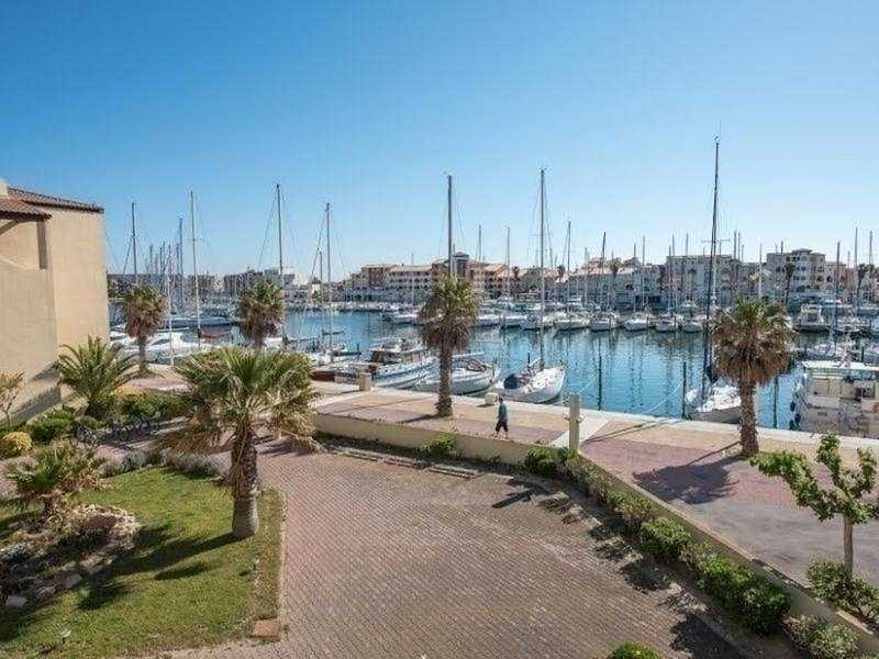 Studio cabine 4 couchages PORT LEUCATE, holiday rental in Cerbere