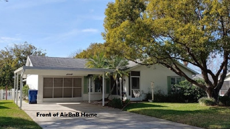 Serene, Cozy, Relaxing Bird Sanctuary Home, alquiler de vacaciones en New Port Richey