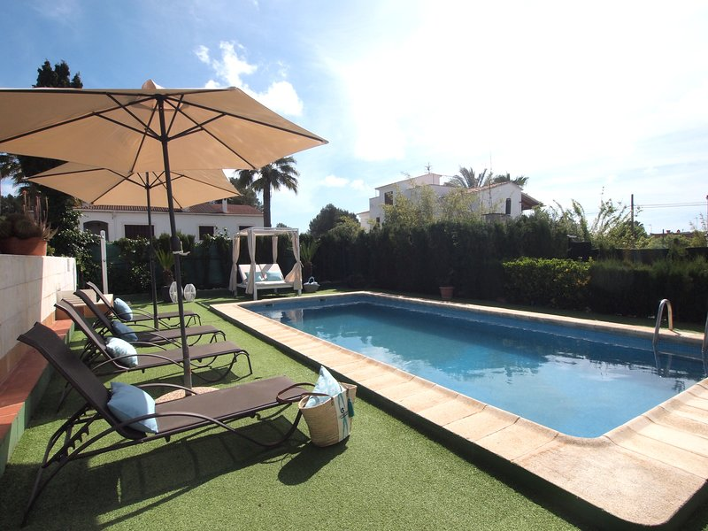 Villa Colibrí, Villacon piscina privada para 6 personas, vacation rental in Sol de Mallorca