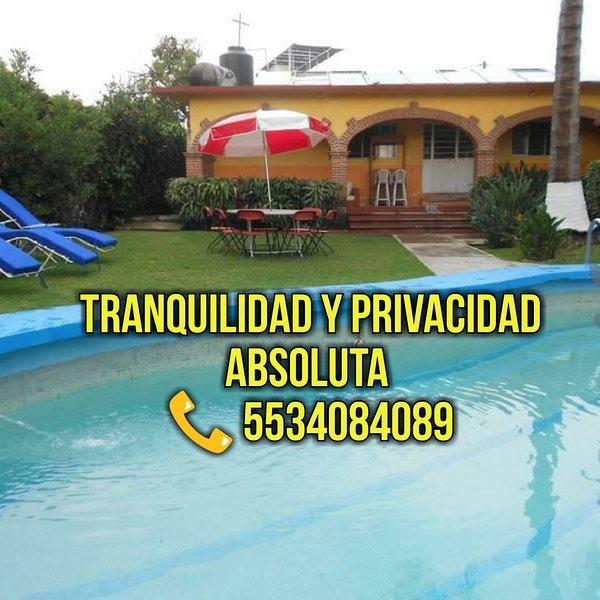 CASA EN OAXTEPEC Y ALBERCA CON CALEFACCIÓN SOLAR, PARA 14 PERSONAS & WI-FI, holiday rental in Yautepec