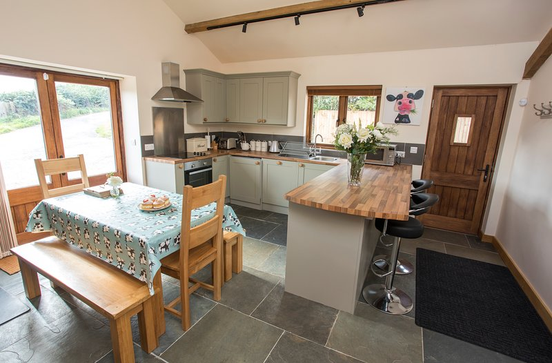 The Old Dairy (Romantic Getaway/Country Retreat), holiday rental in Llandenny
