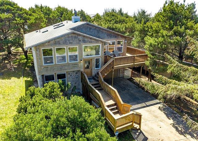 SPYGLASS INN~MCA 629~You will fall in love with this beautiful home., location de vacances à Manzanita