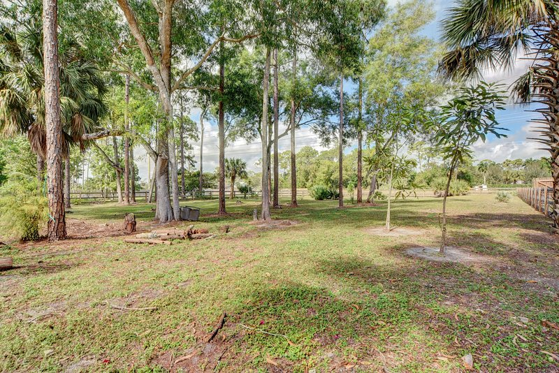 Beautiful estate grounds part of your backyard with private entrance to horse trail