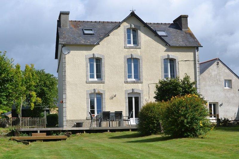 Anaya Cottages - Maison Idani - 4 chambres / 8 personnes centre Finistere – semesterbostad i Brennilis