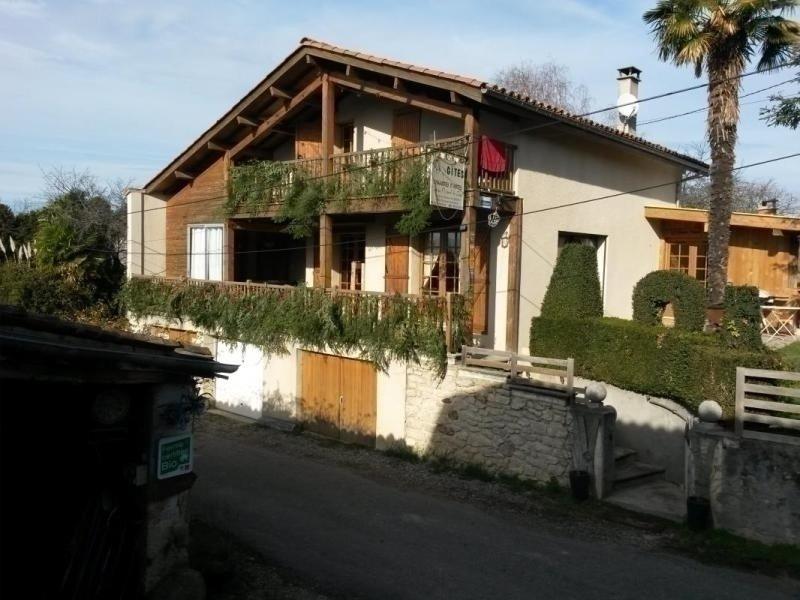 Le Chalet avec SPA et Piscine Couverte, location de vacances à Le Mas-d'Azil