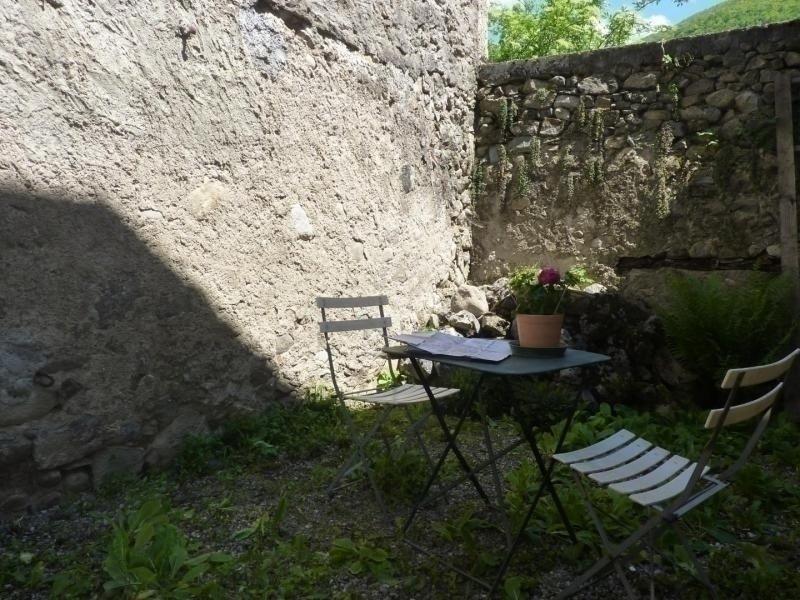 La petite maison de  Junac, location de vacances à Ussat