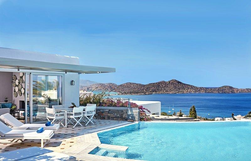 Luxury,sea view,family,pool,relaxing, Mediterranean, holiday rental in Ellinika
