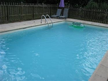 Amazing house with shared pool, holiday rental in Saint-Gery