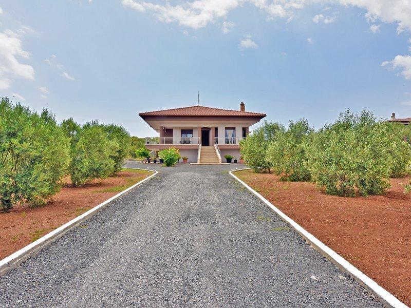 Villa George - Nea Potidea Halkidiki, holiday rental in Nea Potidea