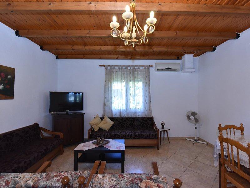 Stefmar Family Vacation House - Nea Potidea Halkidiki, holiday rental in Nea Potidea