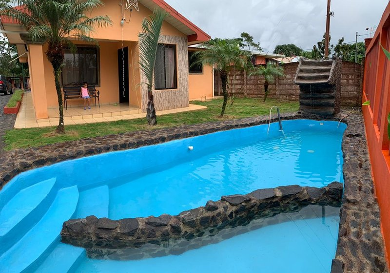 Beautiful Country House near Arenal Volcano, holiday rental in La Fortuna de San Carlos