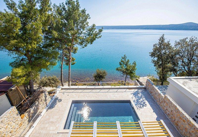 Beautiful Villa Karla Posedarje, with a Pool, holiday rental in Posedarje