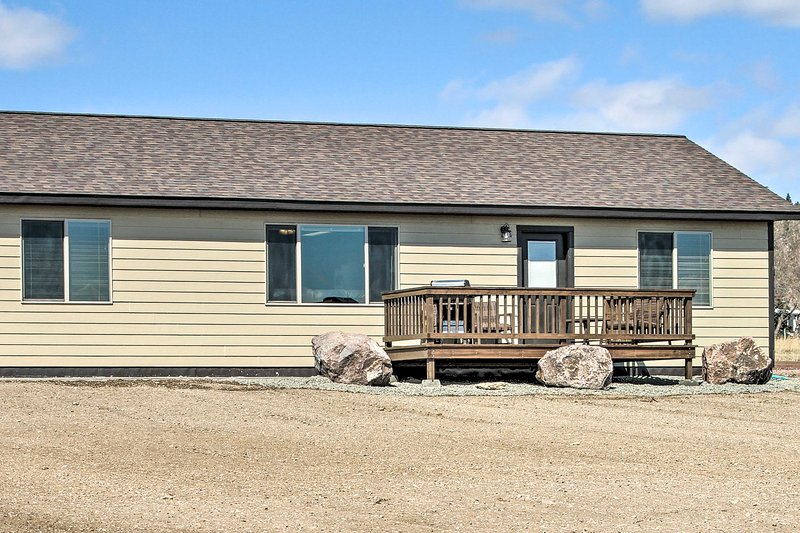 Spacious & Secluded Helena House 5 Miles Downtown!, holiday rental in Wolf Creek