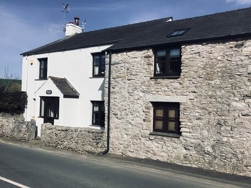 Clerk Beck Cottage, Ulverston, vacation rental in Aldingham