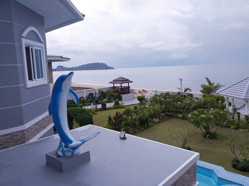 Briya Beachfront Residence Deluxe, holiday rental in Nakhon Si Thammarat Province