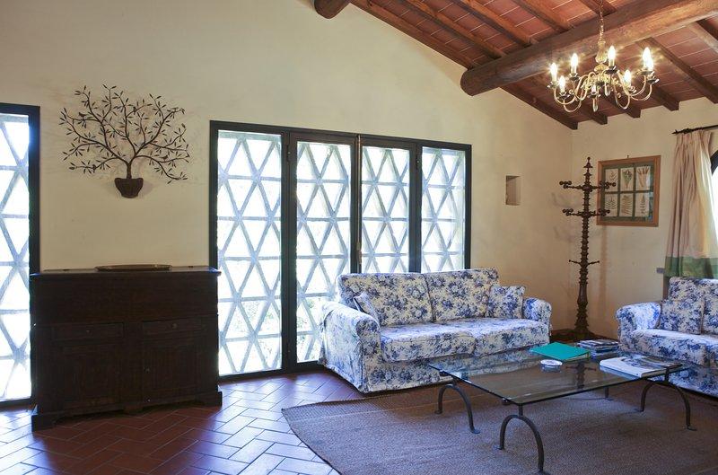 poggio Regina, wine estate, stunning lodging, pool, tastings, restaurant nearby, holiday rental in Sammontana