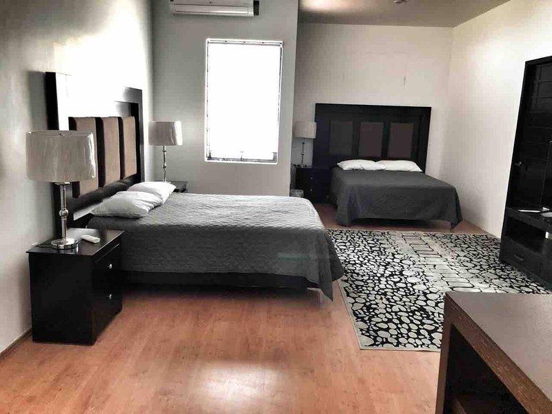10 Suite grande para 4 personas, holiday rental in Torreon