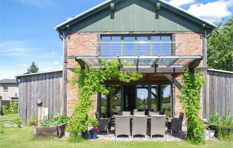 Amazing home in Am Salzhaff with WiFi and 1 Bedrooms (DMK760), holiday rental in Nantrow