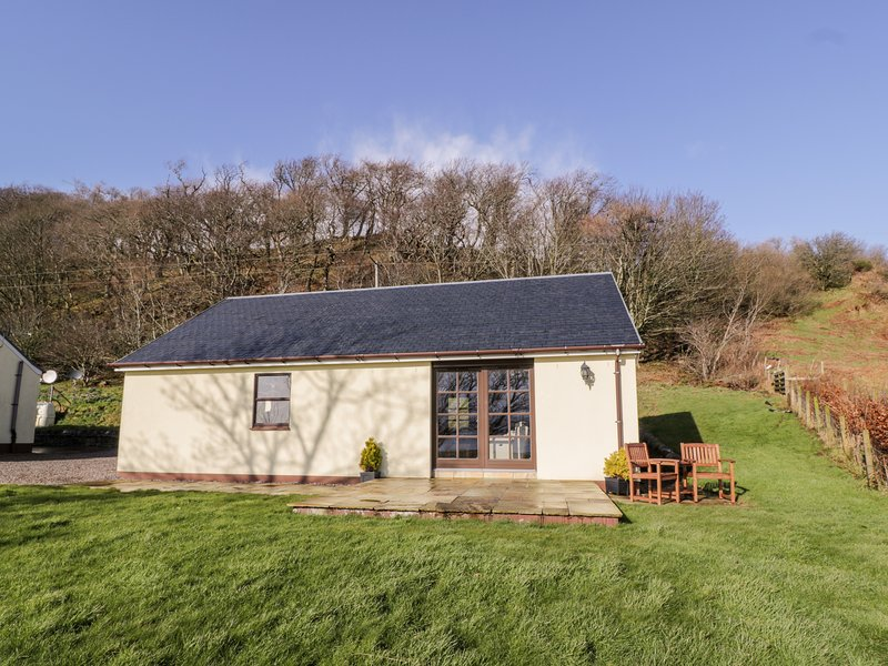 Ettrick Cottage, Rothesay, Isle Of Bute, holiday rental in Kames