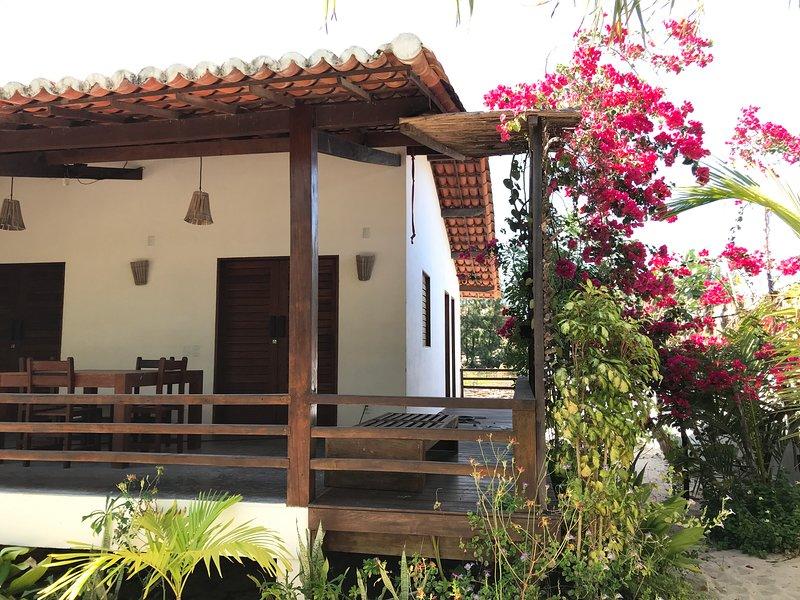 CASA ESTRELINHA : BEACH BED & BREAKFAST IN FRONT OF THE PREA KITESURFING SPOT !, holiday rental in Cruz