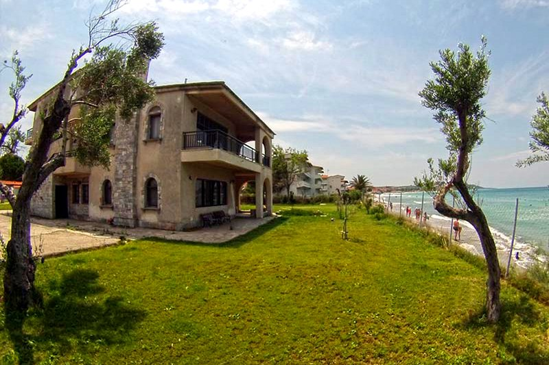 Galini Villa on the beach, holiday rental in Possidi