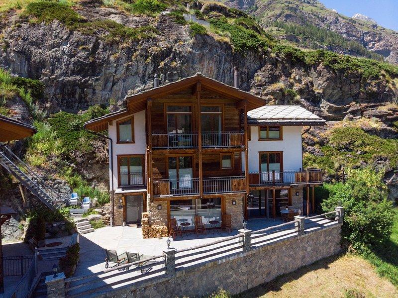 Chalet Ibron Mountain Exposure Zermatt - independent freestanding, sauna, vacation rental in Zermatt