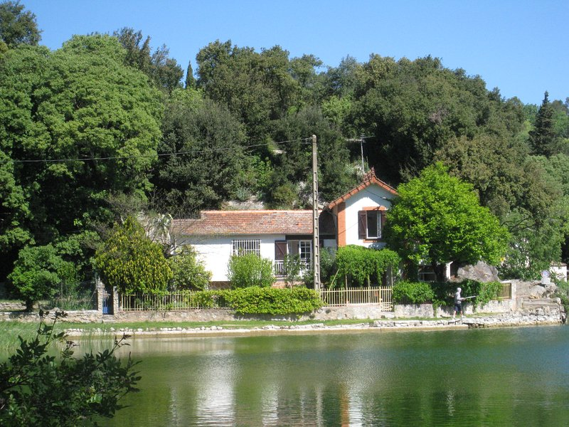 Maison au bord du lac 4 personnes, holiday rental in Pignans