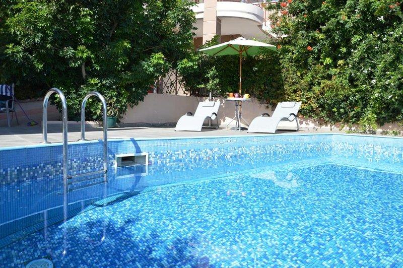 Amfitriti Luxury Villa, Xirokampi Chania, location de vacances à Nteres