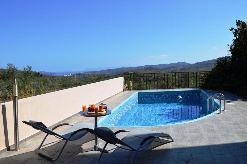 Arion Luxury Villa In Xirokampi Chania, location de vacances à Nteres