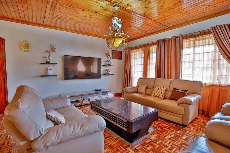 Royal Castle 3 Bedroom En-suite Cozy Apartment, alquiler de vacaciones en Lavington