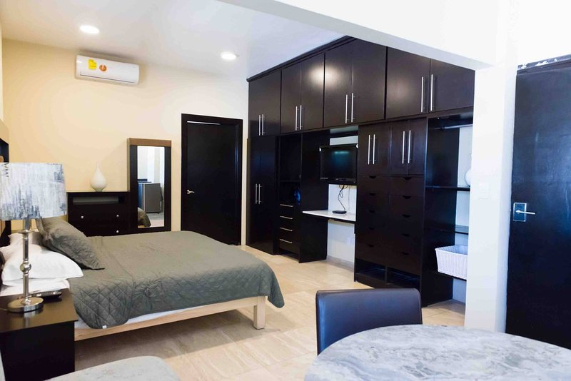 8 Loft para dos personas, holiday rental in Torreon