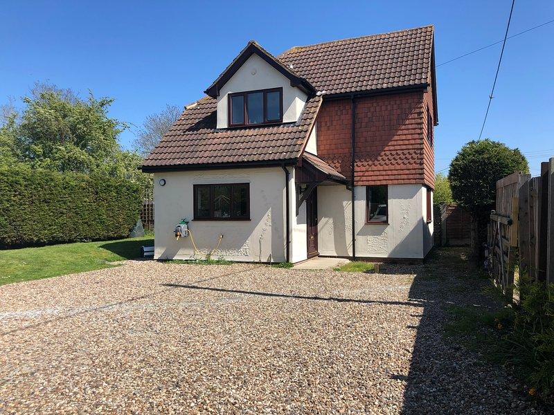 Latchingdon cottage, holiday rental in Burnham-on-Crouch
