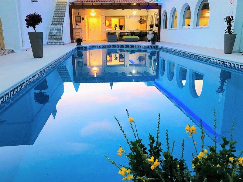 VILLA SUNKISS Algarve - Fantastic villa at 500 m from beautiful sandy beach, alquiler vacacional en Carvoeiro