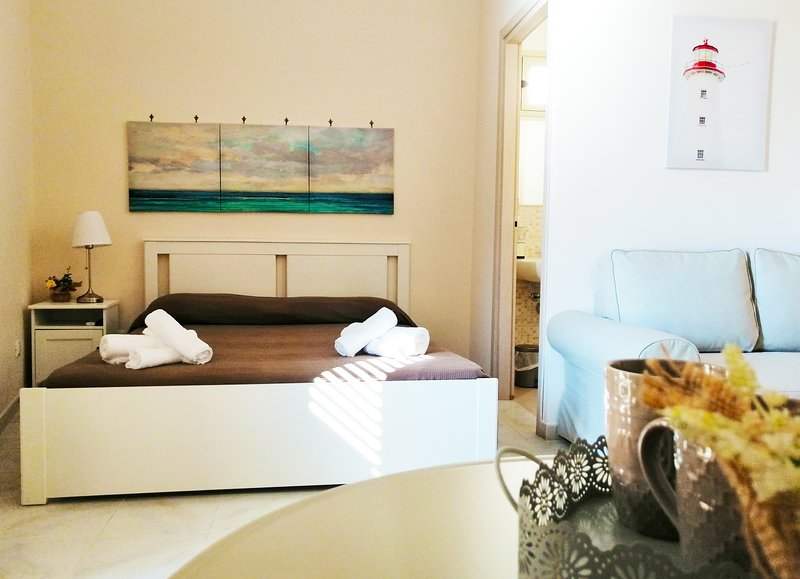 DUCEZIO ROOMS (large), holiday rental in Madonna Marina