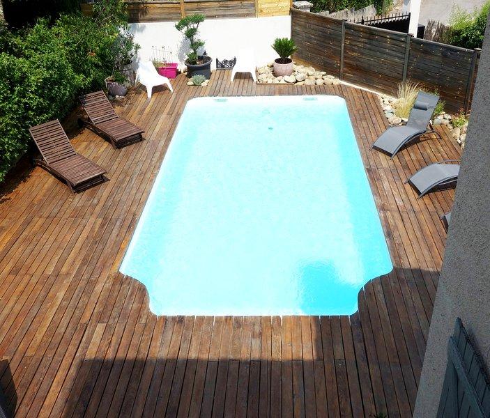 Aix-en-Provence Pont de l'Arc Villa avec piscine au calme, holiday rental in Les Milles