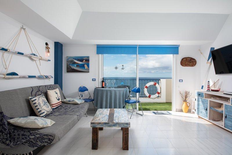 Nautical Loft *Beachfront *Terraces *Parking, holiday rental in Las Galletas