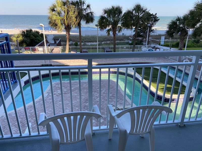 Gorgeous oceanfront 2-br in Broadwalk, downtown MB – semesterbostad i Myrtle Beach