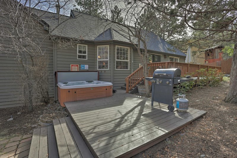 Take a relaxing dip or fire up the gas grill on your patio!