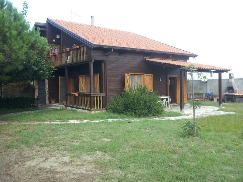 Chalet stupendo sul mare, vacation rental in Palmi
