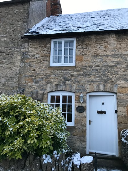 Serendipity Cottage a pretty Cotswold stone cottage built in the traditional style