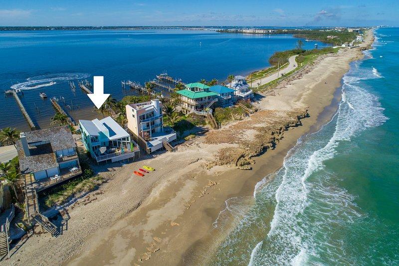 'Family Tides': Ocean-to-River SE Florida Beach House 7BR/6 BA, +Pool +Priv.Dock, holiday rental in Port Salerno