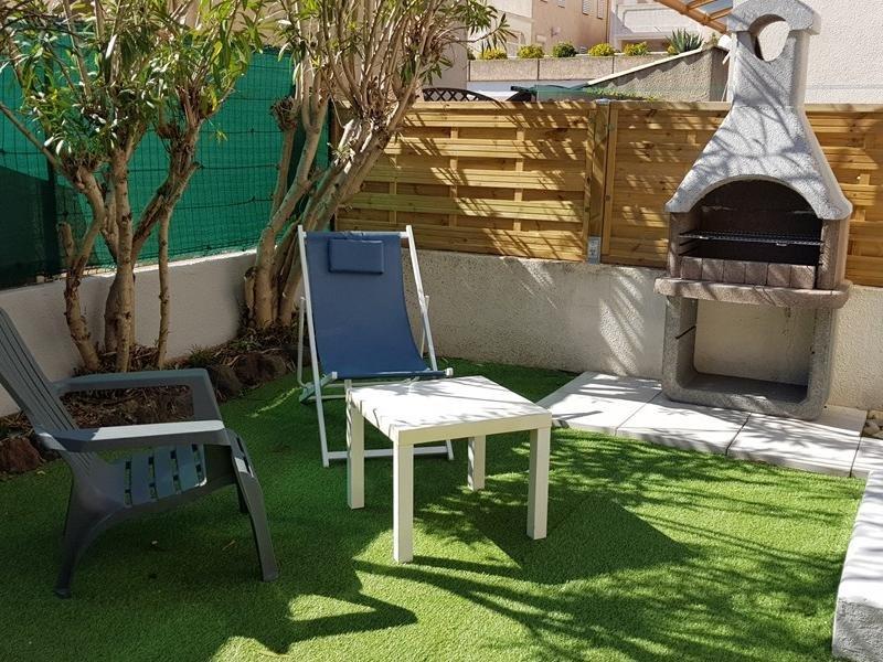 Appartement bien équipé/ grande terrasse/  6 couchages, holiday rental in Marseillan Plage